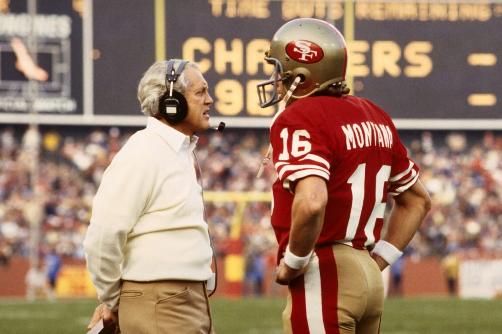 81350842-san-francisco-49ers-coach-bill-walsh-and-qb-joe-montana